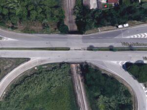 Borgo San Giovanni di Chioggia, segni di cedimento sul ponte: divieto di transito ai tir