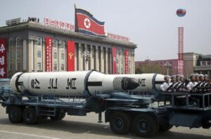 """Corea del Nord minaccia: """"13.600 cannoni faranno di Seul un mare di fuoco, 60mila morti in 24 ore"""""""