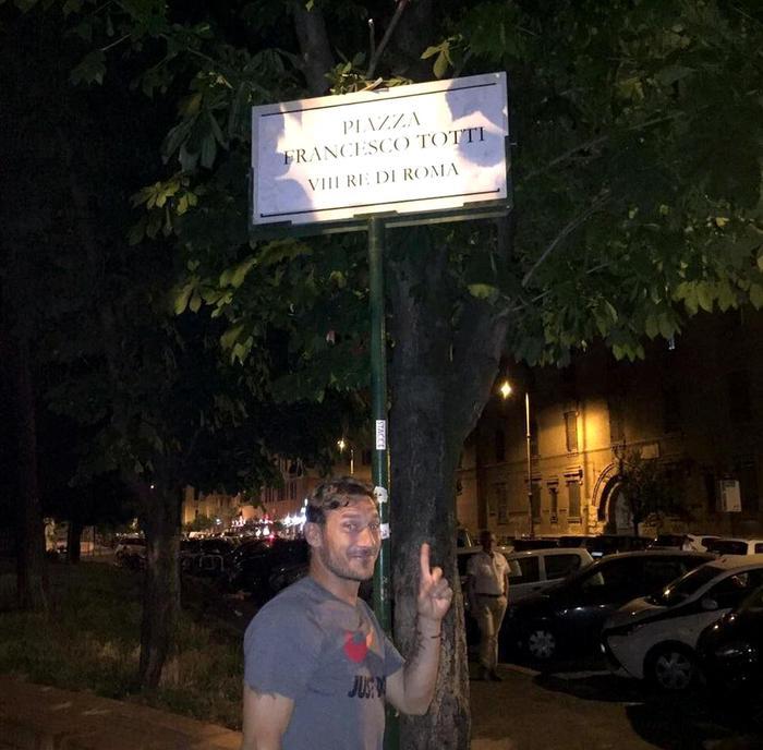 Francesco Totti gossip: l'addio alla Roma del Capitano