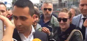 """Di Maio, battibecco col giornalista a Genova: """"Lei ad Havard ha parlato inglese?"""""""