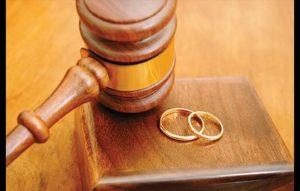 Divorzio: niente assegno all'ex che guadagna più di mille euro