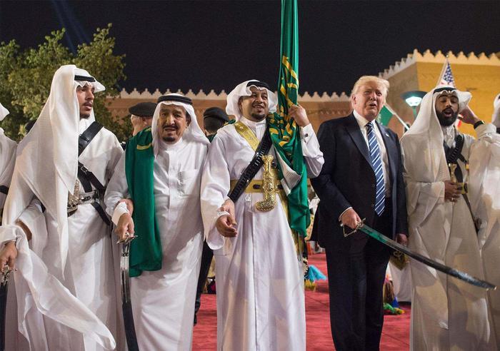 Trump ai leader islamici: combattiamo insieme il terrorismo