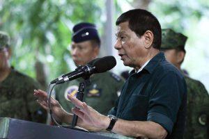 """Filippine, il presidente Duterte esorta i soldati allo stupro: """"Mi prenderò io la colpa"""""""