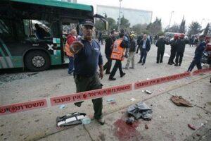 Egitto, commando attacca bus di cristiani copti: 23 morti