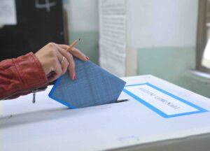 Elezioni anticipate, crisi governo, mld perduti...chi li ha voluti? L'elettorato al referendum...a sua insaputa