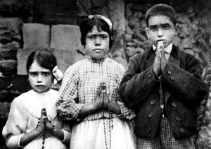 """Fatima: pastorelli Francisco e Giacinta Marto santi. Vaticano: """"Quarto segreto non esiste"""""""