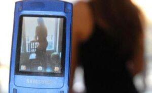 Tiziana Cantone, nuovo caso ad Acerra: su Whatsapp diffusi video di una 14enne