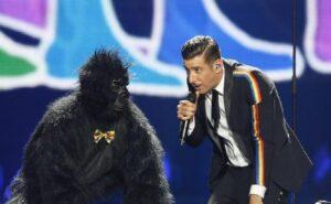 Francesco Gabbani e la 'scimmia' Filippo Rinaldi si separano. Il post di addio