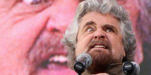 Beppe Grillo a giudizio per l'accusa di aver diffamato Roberto Speranza
