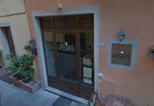 """Prato, il ristorante deve cambiare nome: """"Gucci è solo il colosso della moda"""""""
