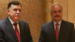 Libia, accordo storico Haftar-Al Sarraj: elezioni nel 2018 e disarmo milizie