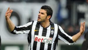 Vincenzo Iaquinta a processo per detenzione abusiva di armi: l'ex calciatore urla in aula