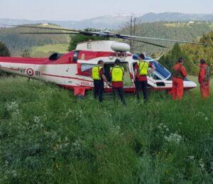 Vicenza, tragedia al Giro d'Italia: tifoso muore precipitando nel dirupo
