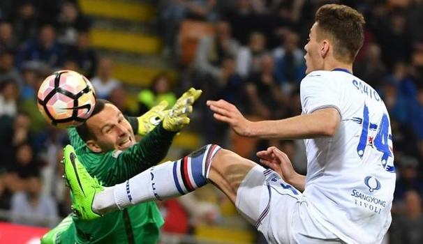 La Roma si inserisce per Schick: Juve avanti, Inter in corsa