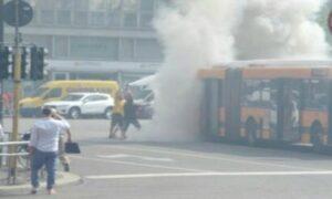 Milano, incendio sul bus: illeso il conducente