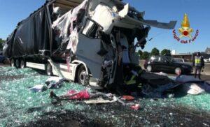 Incidente tra due tir sull'A4: chiuso il tratto tra Portogruaro e San Donà