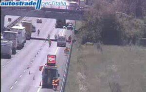 Incidente A1 vicino Modena: camion contro automobile, due morti