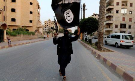 """Isis, appello video: """"Colpire infedeli in Europa durante il Ramadan"""""""