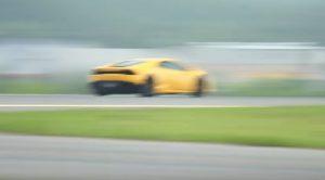 YOUTUBE Lamborghini Huracan, record del mondo sul mezzo miglio
