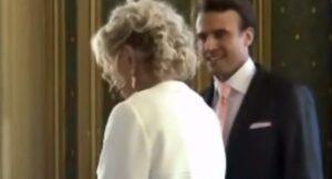 Emmanuel Macron e Brigitte Trogneux, VIDEO matrimonio: il vestito audace di lei