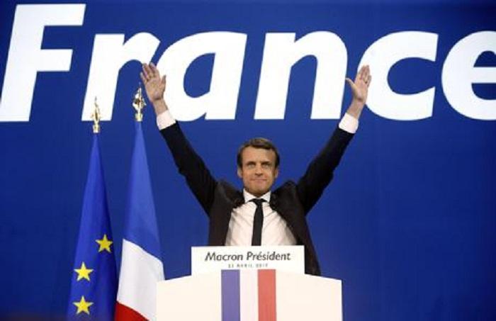 Bahamas conto Macron. Multinazionale del falso: Lettonia, Usa, Russia...Le Pen