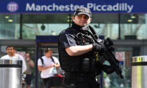 "Manchester, bruciata la porta di una moschea. L'imam: ""Una ritorsione"""