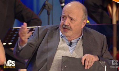 """Maurizio Costanzo: """"Licenzio tutti"""". Imbarazzo durante il suo show per la gaffe su Amendola"""