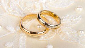 Licenziamento dopo il matrimonio, il divieto vale anche per i lavoratori maschi