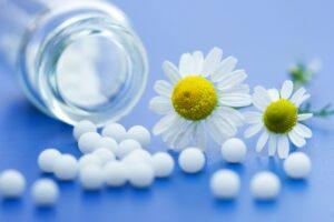 """Omeopatia. Il guru francese del gruppo Boiron: """"Prendo antibiotici, li do ai miei figli"""""""