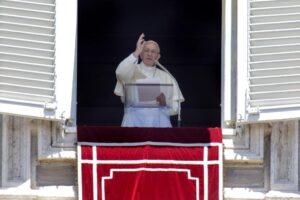 """Mediaset, appello di papa Francesco per i lavoratori. Fnsi: """"Speriamo non cada nel vuoto"""""""