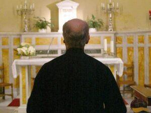 """Lucera, parroco dice no al padrino: """"Sposato con una divorziata"""". E il ragazzino rinuncia alla cresima"""