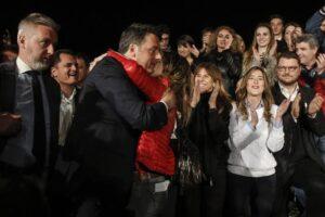 Patrizia Prestipino, chi è la donna in rosso dell'abbraccio di Matteo Renzi FOTO