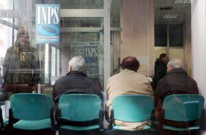 Pensione, ci si va sempre più tardi: dal 2019 a 67 anni