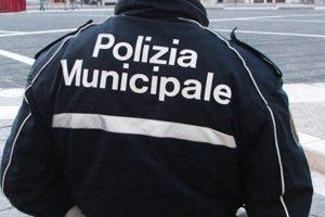 Modena, scippo con promesse a luci rosse sventato da un passante