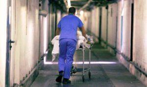 Caserta. Assente tre mesi dall'ospedale: era finito in carcere. Licenziato