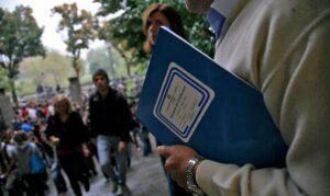 Scuola, governo trova intesa: 52mila prof assunti tra precari e supplenti
