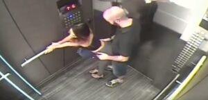YOUTUBE Ragazza provoca uomo in ascensore, poi rientra piangendo. Si tocca ventre e...