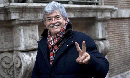 """Antonio Razzi: """"Chi va a prostitute non ha fascino, io invece a 18 anni..."""""""