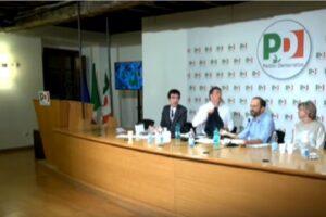 """Matteo Renzi se la prende col senatore della minoranza Pd: """"Segui le regole. E che c...."""""""