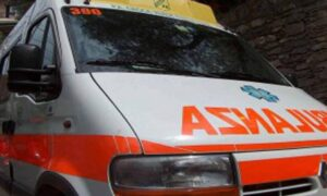 Rimini, Ferrari travolge una utilitaria: madre e figlio in gravi condizioni