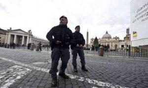 Roma, allarme per un borsone abbandonato a San Pietro