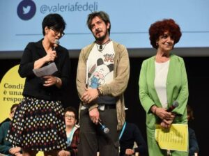 YOUTUBE Paolo Ruffini, parolacce agli studenti a incontro su cyberbullismo. Ministro si arrabbia
