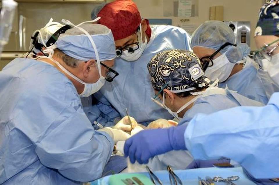 Chirurgia: Torino, trafitto da dardo al collo salvato a ospedale Molinette