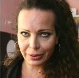 Sara Carbone, la trans dai night club al lavoro in chiesa