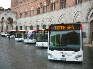Siena, anziana sul bus col biglietto scaduto da 4 minuti: multa da 42 euro