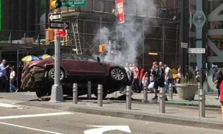 New York, auto sulla folla a Times Square: forse un morto, conducente arrestato
