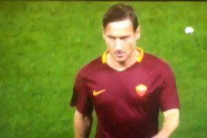 YOUTUBE Francesco Totti non saluta Luciano Spalletti dopo Roma-Juve