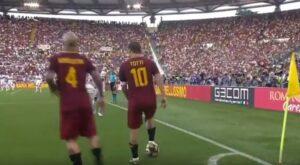 YOUTUBE Francesco Totti, gli ultimi secondi in campo commentati da Caressa