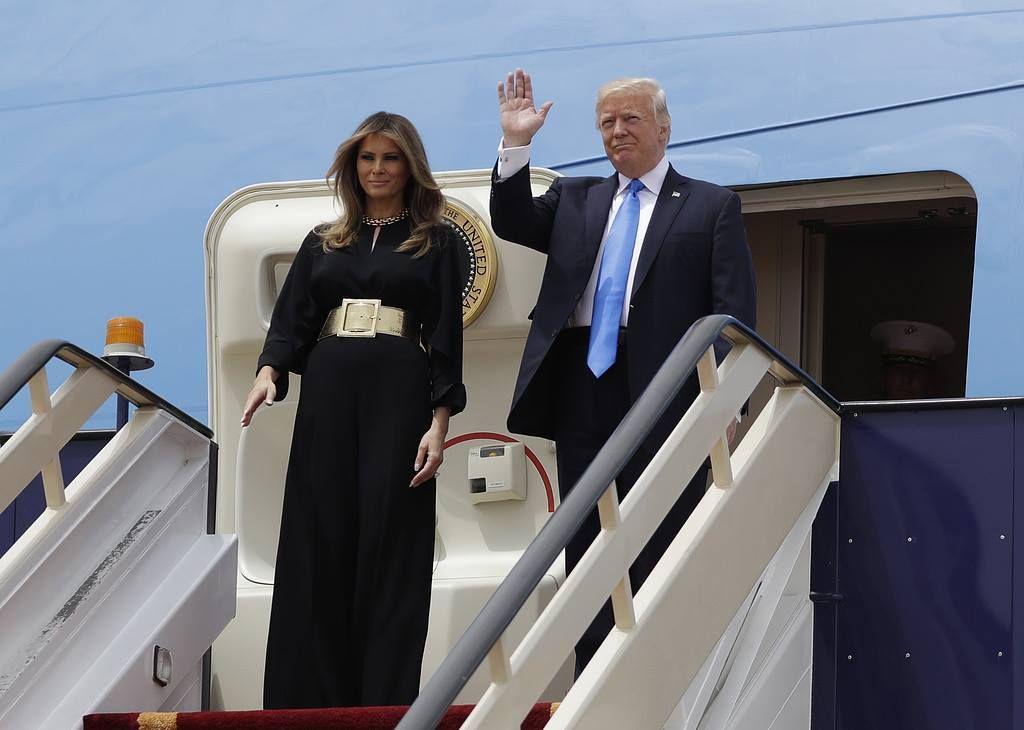 Trump a Riad,accordo vendita armi da 110 milioni con sauditi