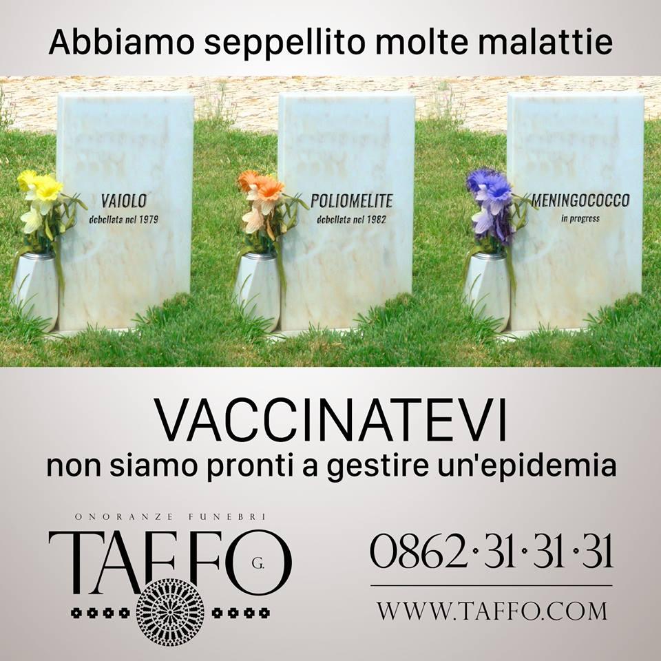 """""""Non vaccinatevi, siamo pronti ad un'epidemia"""": i """"consigli"""" di un'agenzia funebre FOTO"""